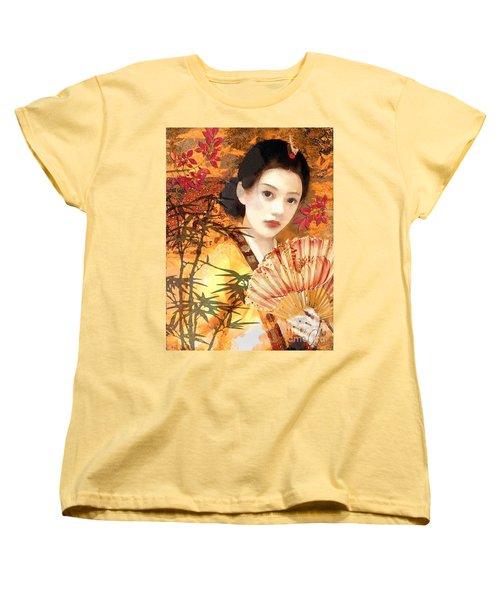 Geisha With Fan Women's T-Shirt (Standard Cut) by Mo T