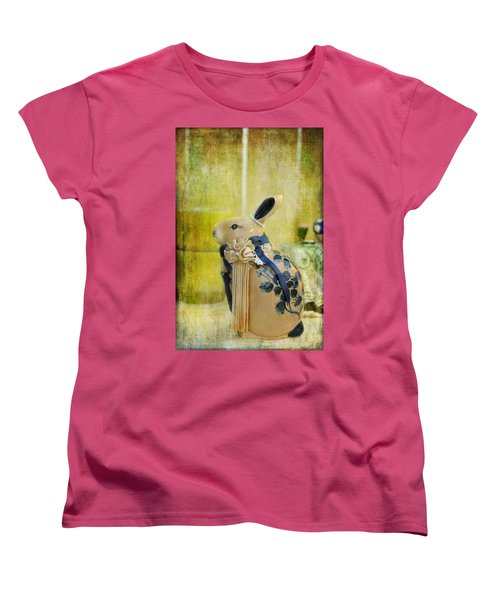 All Dressed Up Women's T-Shirt (Standard Cut) by Jan Amiss Photography