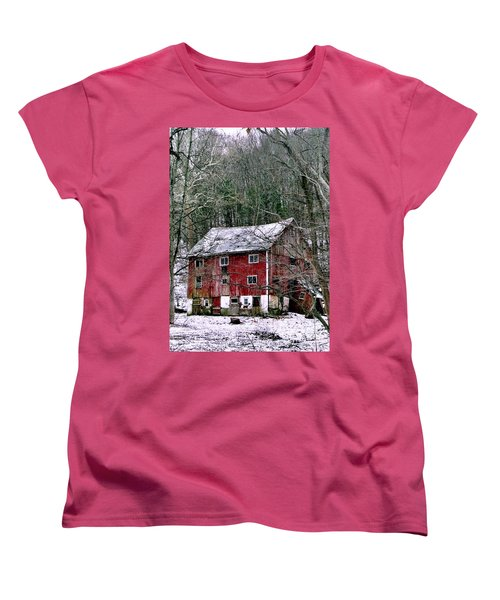 Women's T-Shirt (Standard Cut) featuring the photograph Pennsylvania Dusting by Michael Hoard