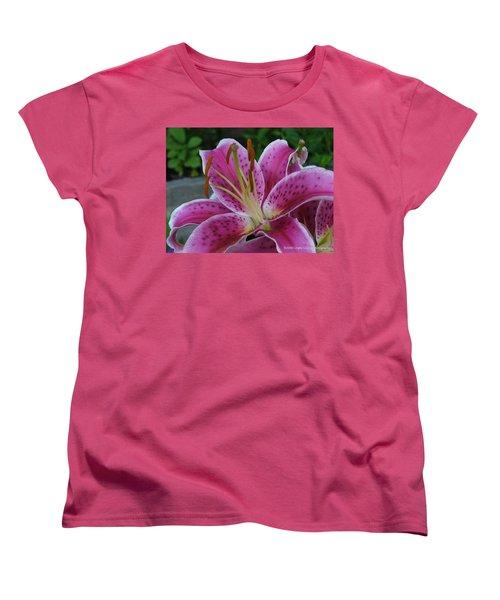 Women's T-Shirt (Standard Cut) featuring the photograph Elegance by Lingfai Leung