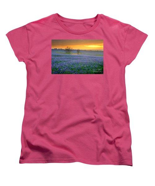 Field Of Dreams Texas Sunset - Texas Bluebonnet Wildflowers Landscape Flowers  Women's T-Shirt (Standard Cut) by Jon Holiday