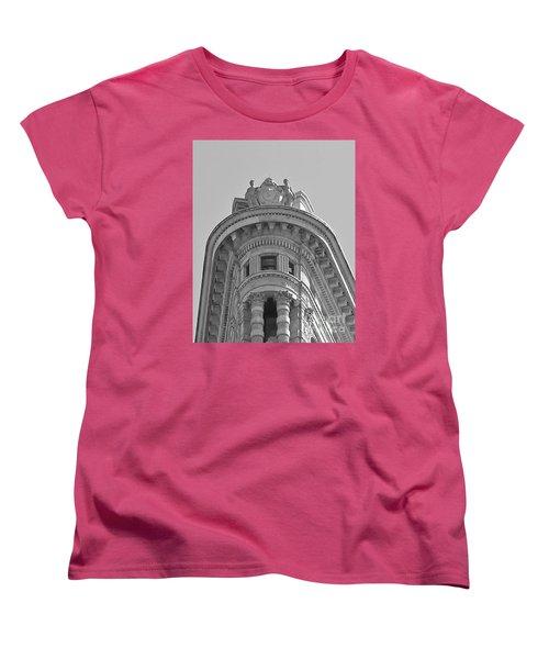 Flatiron Detail Women's T-Shirt (Standard Cut) by John Wartman