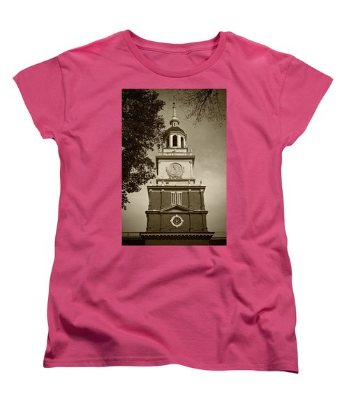 Independence Hall - Bw Women's T-Shirt (Standard Cut) by Lou Ford
