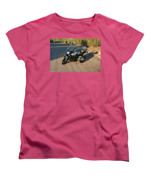 Women's T-Shirt (Standard Cut) featuring the photograph It's Good To B-king by David S Reynolds