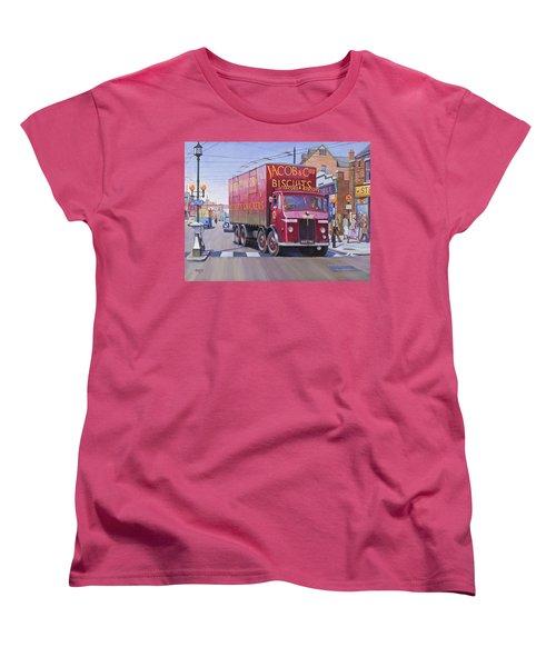 Jacobs Leyland Octopus Women's T-Shirt (Standard Cut) by Mike  Jeffries