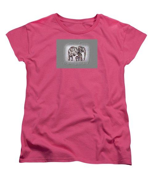 Mom Elephant Women's T-Shirt (Standard Cut)