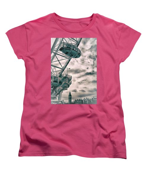 The London Eye Women's T-Shirt (Standard Cut) by Martin Newman