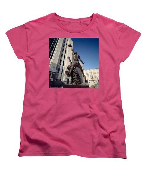 Low Angle View Of A Statue In Front Women's T-Shirt (Standard Cut)