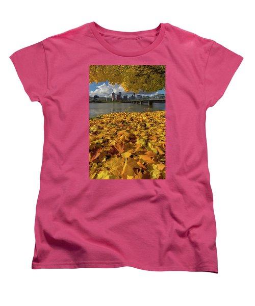 Fall Foliage In Portland Oregon City Women's T-Shirt (Standard Fit)