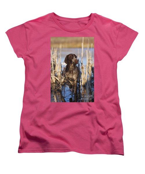 German Shorthair On Point -  D000897 Women's T-Shirt (Standard Cut) by Daniel Dempster