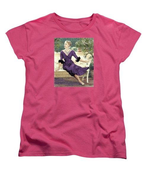 Grace Kelly Draw Women's T-Shirt (Standard Cut) by Quim Abella
