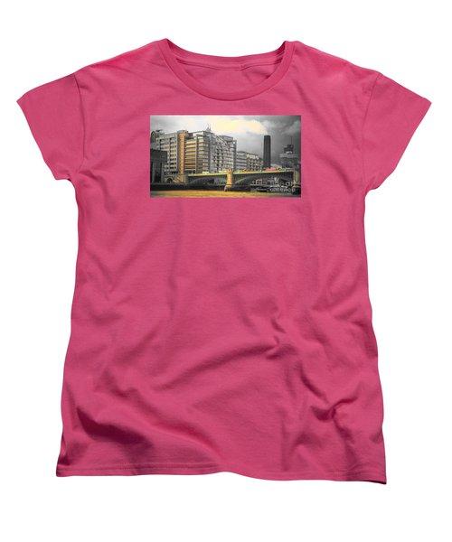 London Women's T-Shirt (Standard Cut) by Therese Alcorn