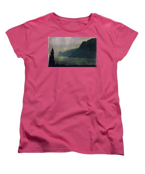 Looking At The Lake... Women's T-Shirt (Standard Cut)