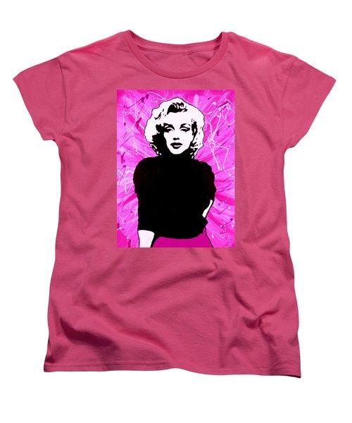 Marilyn Monroe In Hot Pink Women's T-Shirt (Standard Cut)