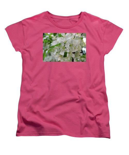 Women's T-Shirt (Standard Cut) featuring the photograph Michigan State Flower by LeeAnn McLaneGoetz McLaneGoetzStudioLLCcom