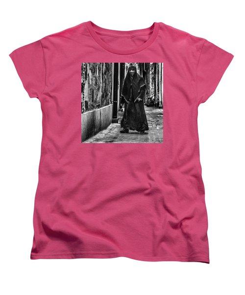 Muslim Women In Palermo Women's T-Shirt (Standard Cut)