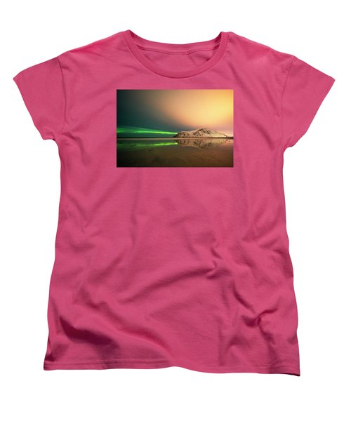 Northern Light In Lofoten Nordland 5 Women's T-Shirt (Standard Cut) by Dubi Roman