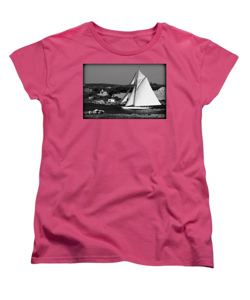 sailboat - a one mast classical vessel sailing in one of the most beautiful harbours Port Mahon Women's T-Shirt (Standard Cut)
