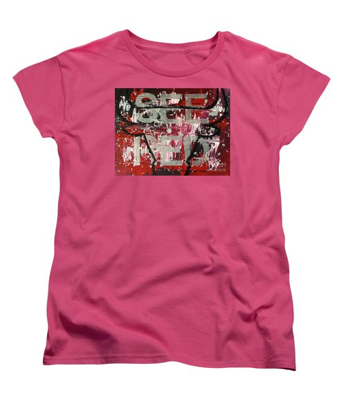 See Red Chicago Bulls Women's T-Shirt (Standard Cut) by Melissa Goodrich