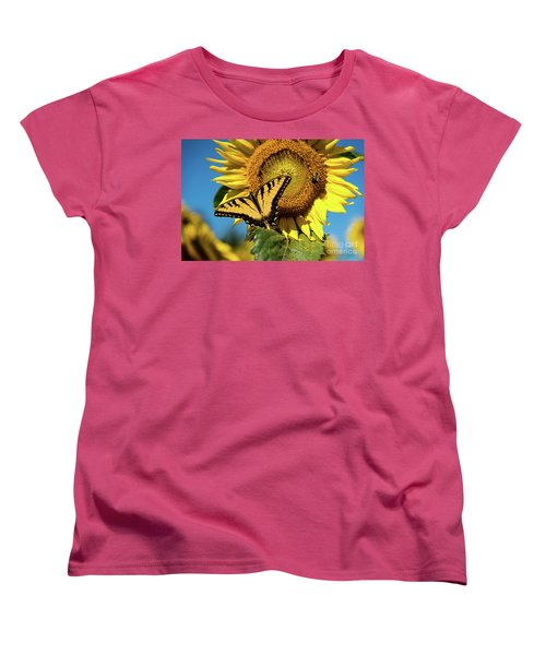 Summer Friends Women's T-Shirt (Standard Cut)