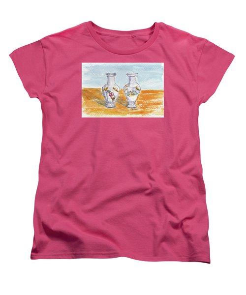 Two-view Vase Women's T-Shirt (Standard Cut)