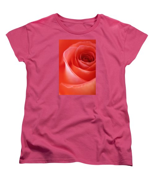 Une Rose Si Belle Women's T-Shirt (Standard Cut) by The Art Of Marilyn Ridoutt-Greene