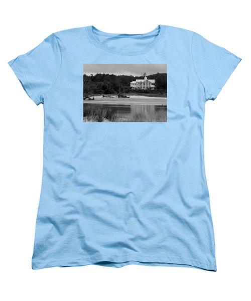 Big White House Women's T-Shirt (Standard Cut) by Cynthia Guinn