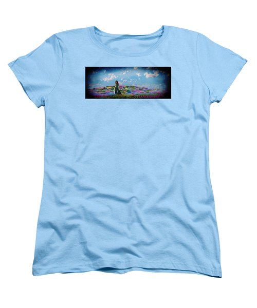 Field Of Flowers... Women's T-Shirt (Standard Cut)