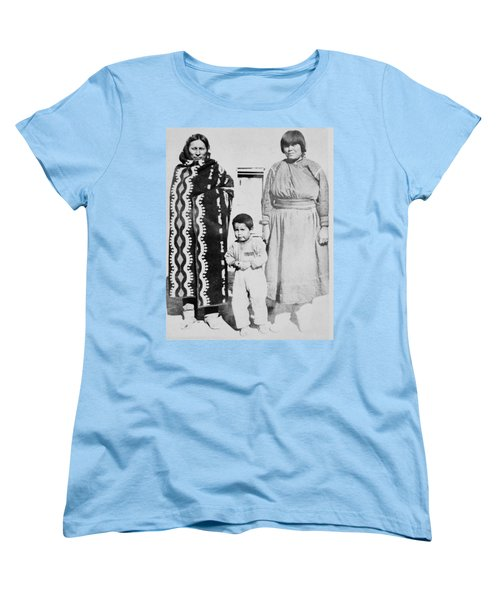Women's T-Shirt (Standard Cut) featuring the photograph Maria Martinez (1887-1980) by Granger