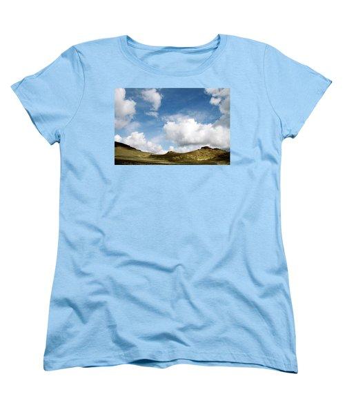 Oregon Trail Country Women's T-Shirt (Standard Cut) by Ed  Riche