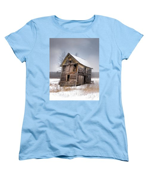 Portrait Of An Old Shack - Agriculural Buildings And Barns Women's T-Shirt (Standard Cut) by Gary Heller