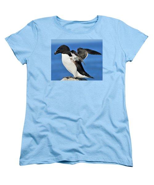 Razorbill Women's T-Shirt (Standard Cut) by Tony Beck