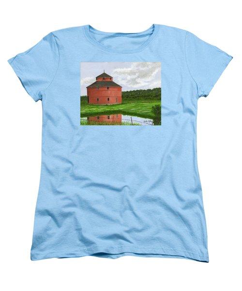 Round Barn Women's T-Shirt (Standard Cut) by Dustin Miller