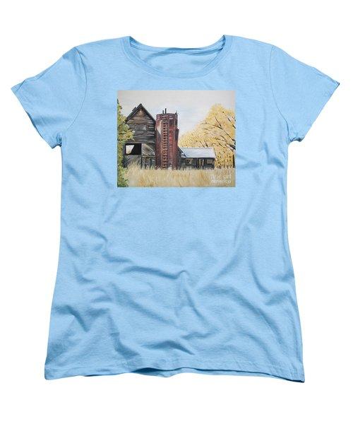 Women's T-Shirt (Standard Cut) featuring the painting Golden Aged Barn -washington - Red Silo  by Jan Dappen
