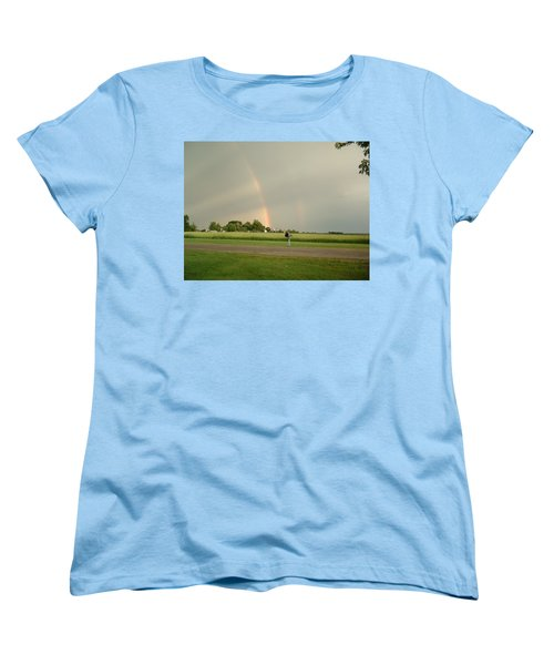 Women's T-Shirt (Standard Cut) featuring the photograph Ray Bow by Bonfire Photography