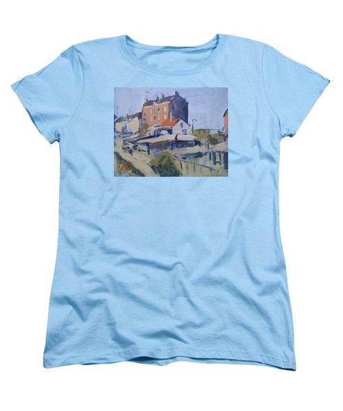 Backyard Spaarndammerdijk Women's T-Shirt (Standard Fit)