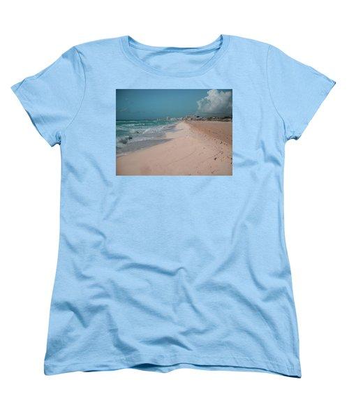 Beautiful Beach In Cancun, Mexico Women's T-Shirt (Standard Fit)
