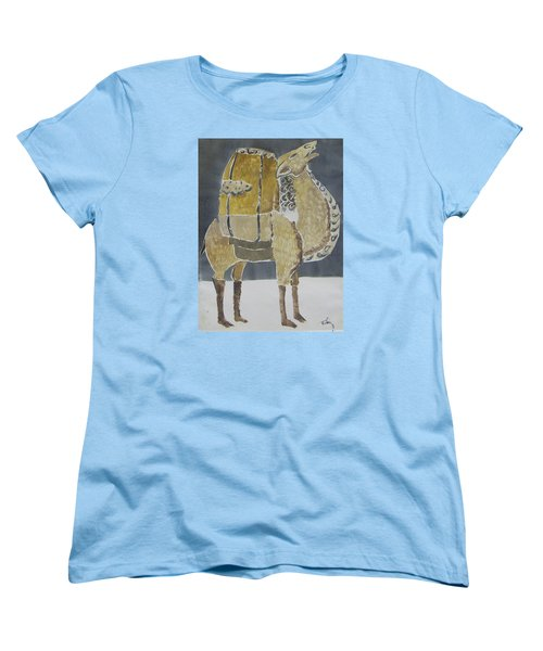 Camel Facing Right Women's T-Shirt (Standard Cut)