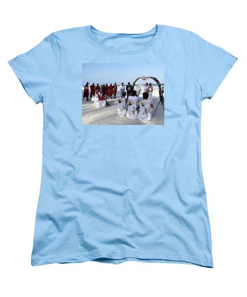 Close Up Kenya Baach Wedding Women's T-Shirt (Standard Fit)
