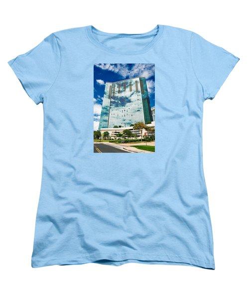 Fla-150531-nd800e-25120-color Women's T-Shirt (Standard Cut) by Fernando Lopez Arbarello