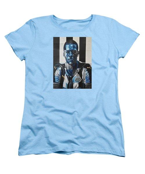 Georginio Wijnaldum Women's T-Shirt (Standard Cut) by Steve Hunter