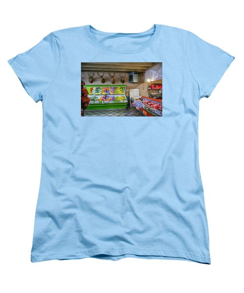 Women's T-Shirt (Standard Cut) featuring the photograph Heads Of State by Skip Hunt