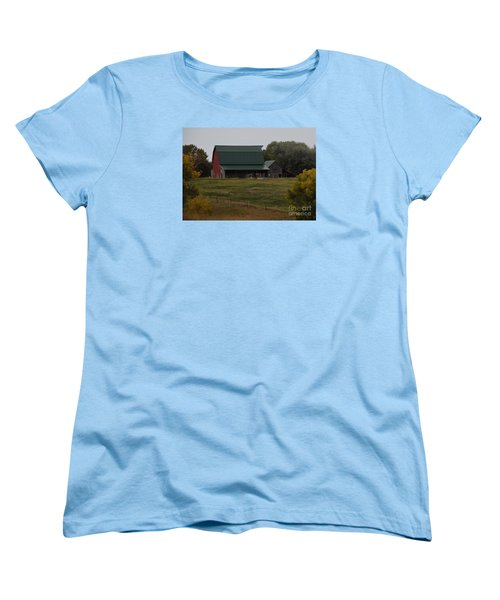 Nebraska Barn Women's T-Shirt (Standard Cut) by Mark McReynolds