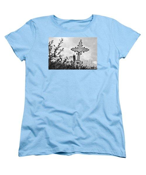 Nome Women's T-Shirt (Standard Cut) by Laurie Stewart