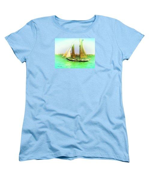 Nyc Sailing Women's T-Shirt (Standard Cut)