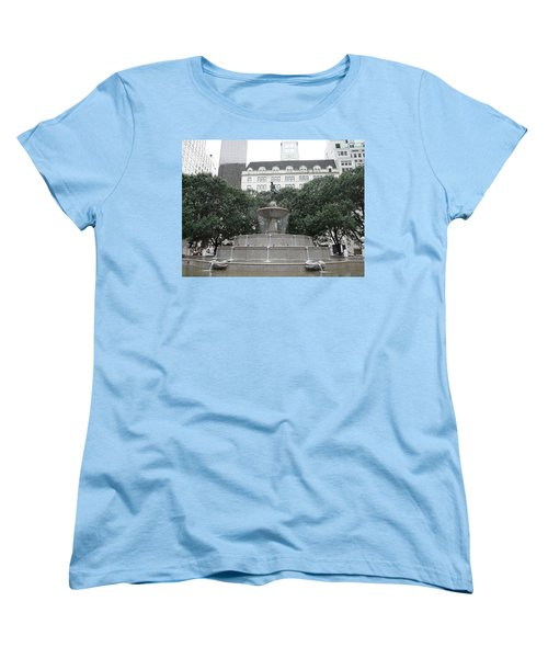 Pulitzer Fountain Women's T-Shirt (Standard Cut) by Valerie Ornstein