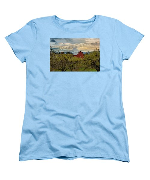 Red Barn At Pear Orchard Women's T-Shirt (Standard Fit)