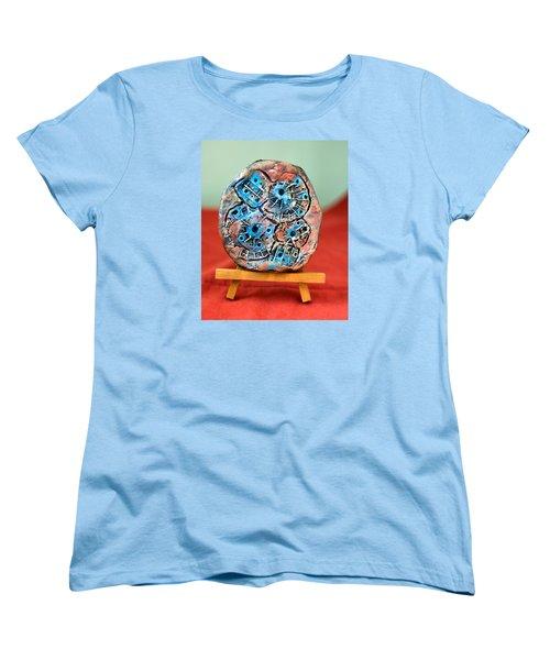 Remendando Heridas... Women's T-Shirt (Standard Cut) by Edgar Torres
