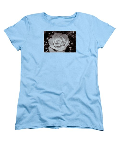 Rose B/w - 9166 Women's T-Shirt (Standard Cut) by G L Sarti
