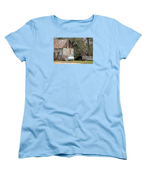 Rusted Tin Shed In Burnt Corn Women's T-Shirt (Standard Cut)